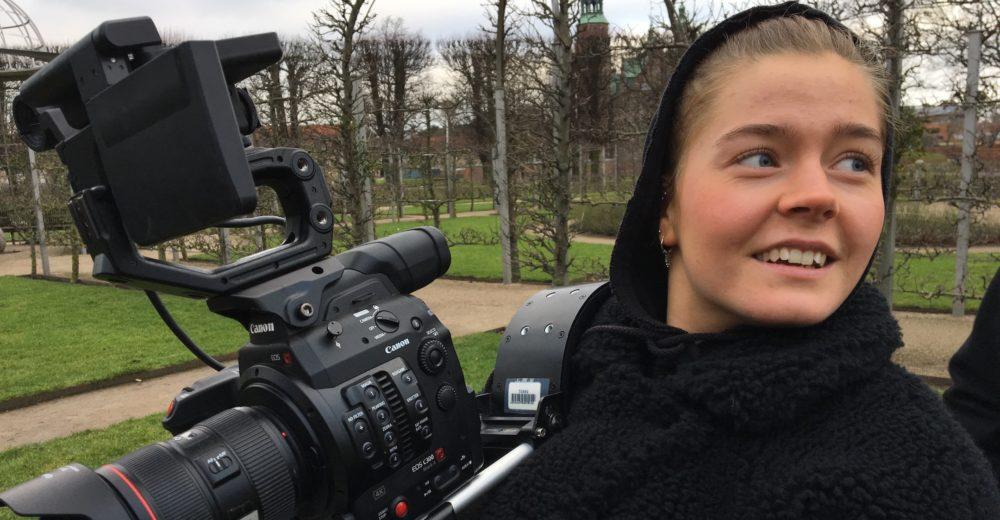 FØRSTE FILMASSISTENTER FLYVER FRA REDEN